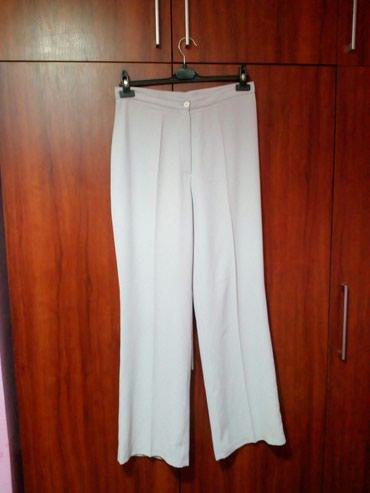 Ženske pantalone od tankog materijala, svetlo plave boje, br. 44. - Novi Pazar