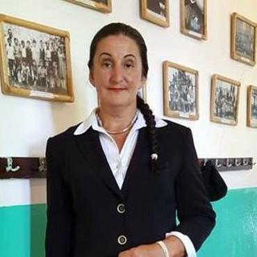 Uciteljica sa sela trazi ozbiljnog muskarca slicnih godina za brak - Topola