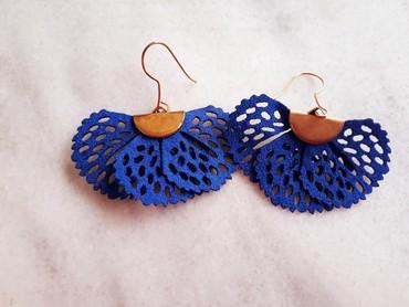 5 ευρώ Χειροποίητα πλεκτά σκουλαρίκια σε χρώμα μπλε! Είναι αφόρετα σε Athens